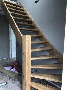Plaatsing nieuwe trap